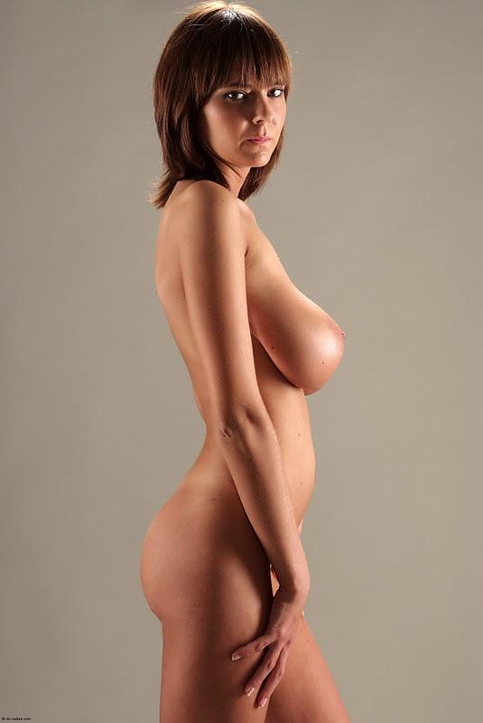 голые девушки вид с боку