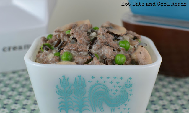 Such a hearty and delicious 30 minute meal! Also delicious with ground chicken or turkey! Ground Beef and Wild Rice Alfredo Skillet Recipe from Hot Eats and Cool Reads
