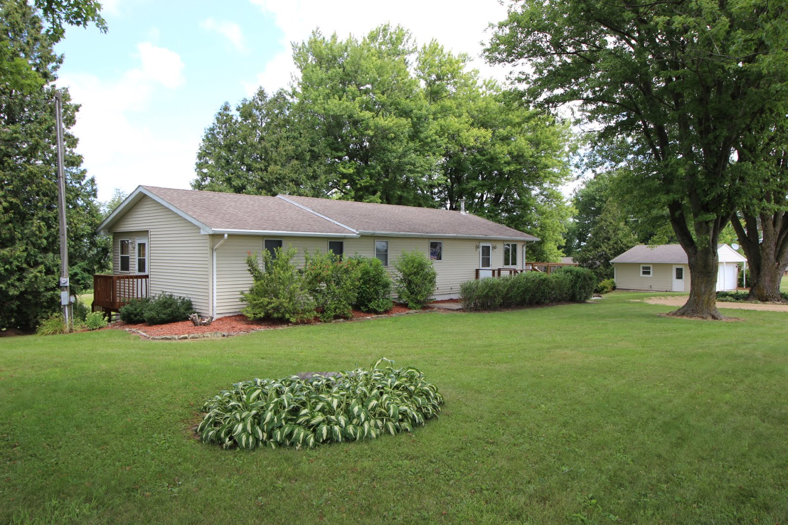 18334 55th Street, Maquoketa, IA $189,900 SOLD