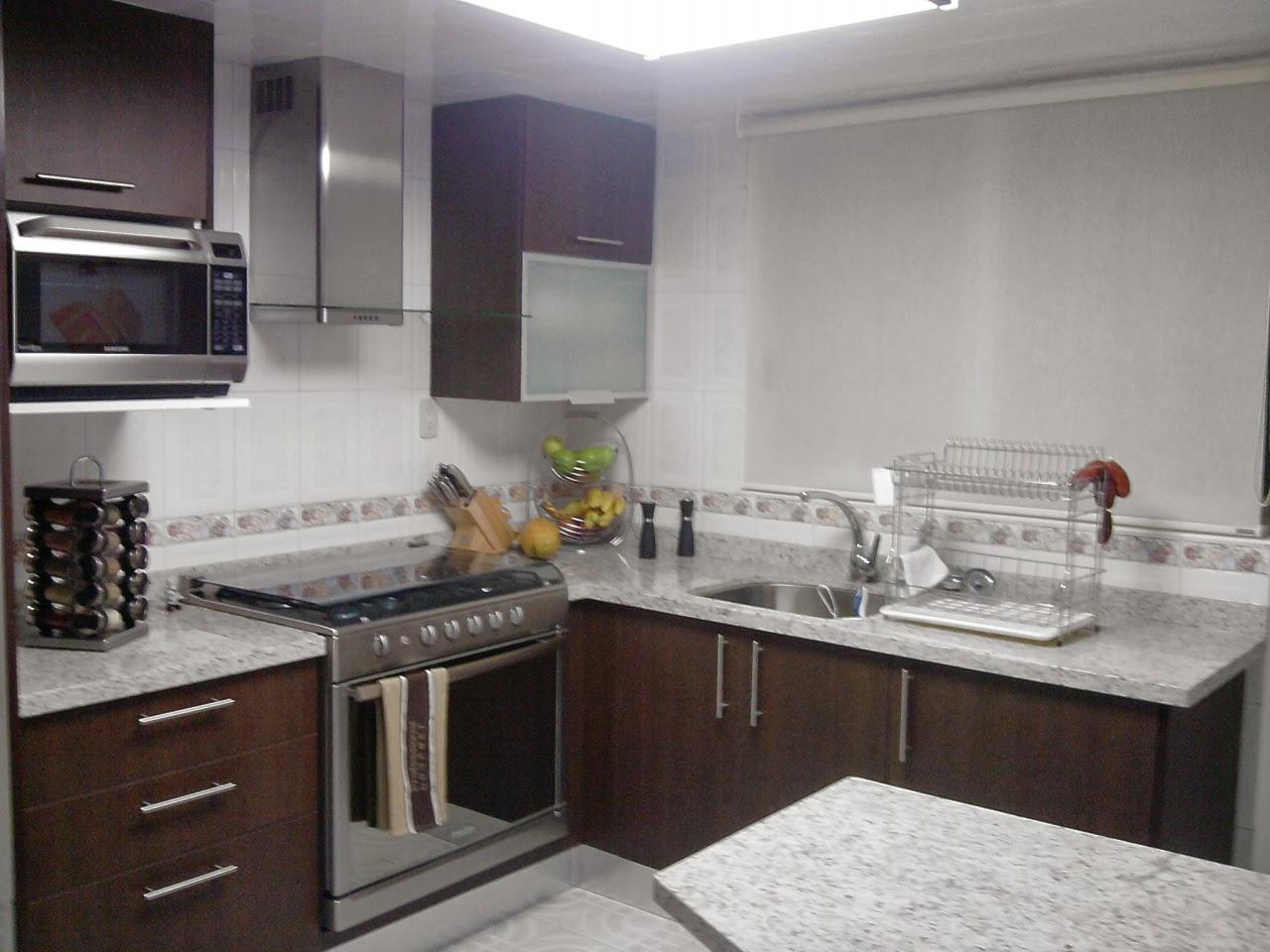 Dise o en cocinas integrales galeria cocinas materiales for Cocinas de granito natural