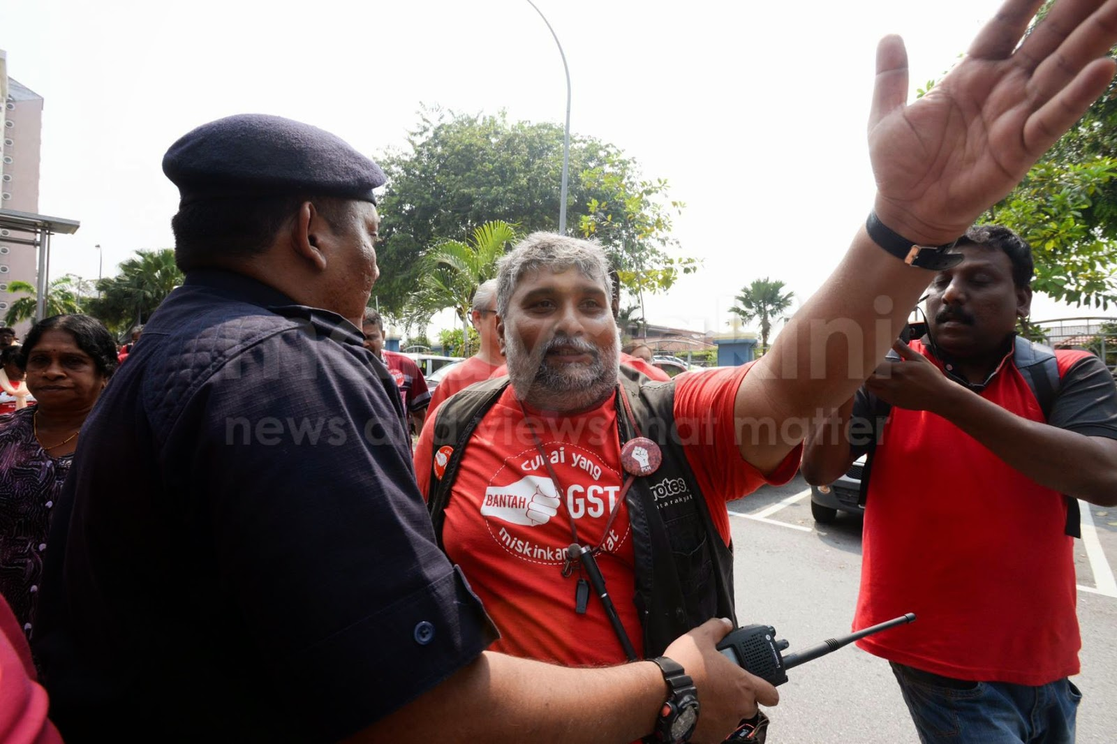 TERKINI 12 GAMBAR Pembangkang Buat Kecoh Serang dan Kacau Ganggu Kompleks Kastam Kelana Jaya