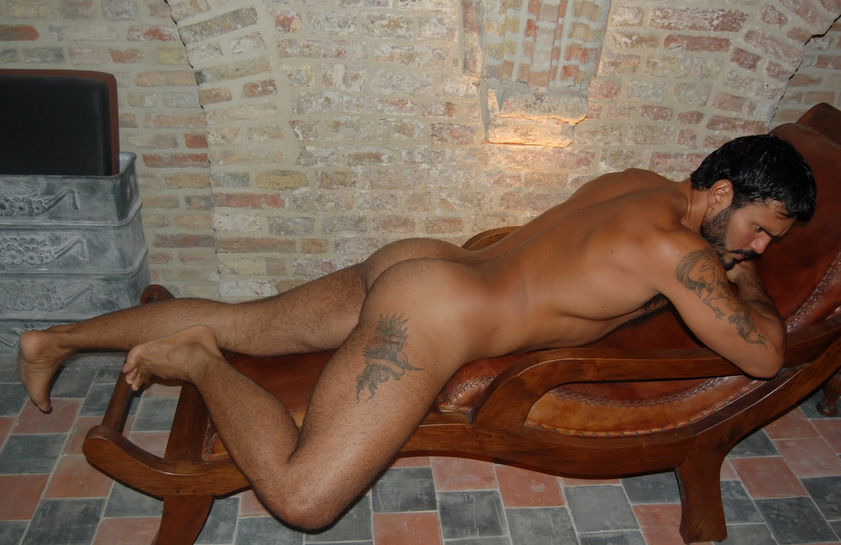 locura gay male escort