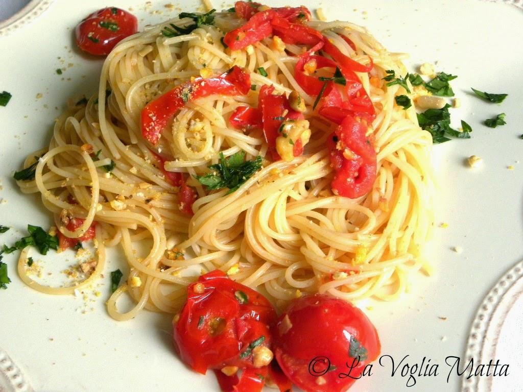 spaghetti al pomodoro e mais tostato