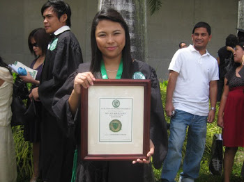 Em's Bachelor of Science Degree in Nursing Cum Laude.