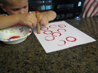painting apples with circles