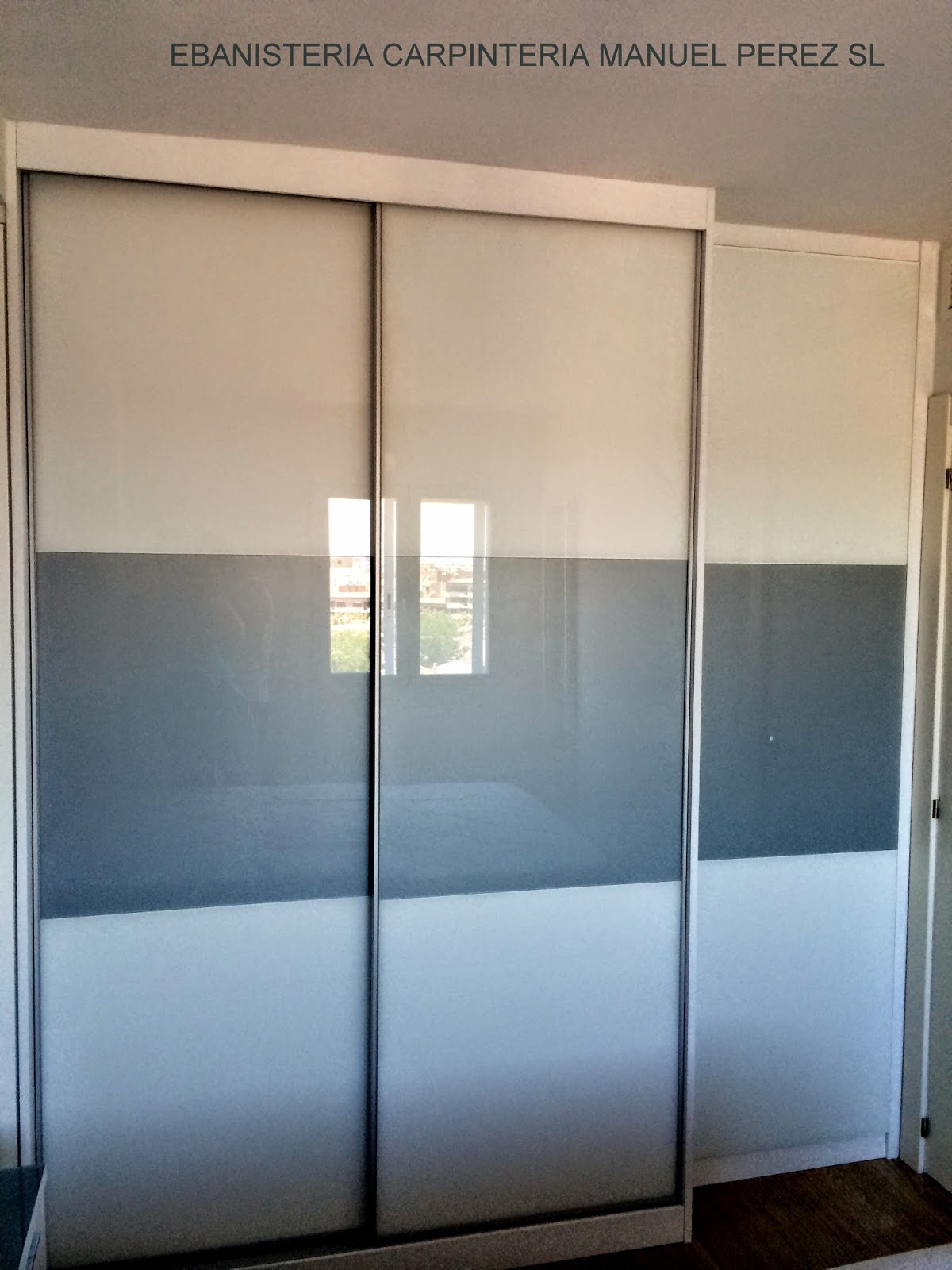 Ebanisteria carpinteria manuel perez zaragoza armario - Puertas correderas madera y cristal ...