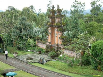Bali Garden Wallpapers