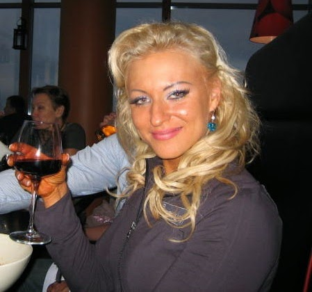 Flat and Faking: Elena Mishurina