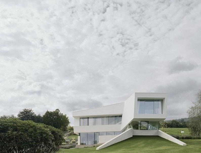 Desain Rumah Minimalis Unik Berwarna Putih Bersih