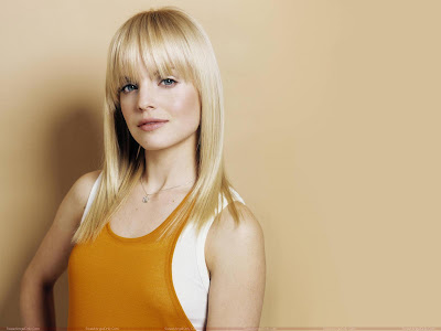 mena_suvari_hollywood_hot_actress_wallpaper_fun_hungama_forsweetangels.blogspot.com