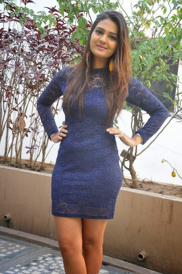 Neha deshpande hot photos in short dress at dil deewana movie press meet