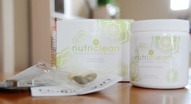 Inside the NutriClean box were the three main components for this 7-day detox, along with an instructions manual.