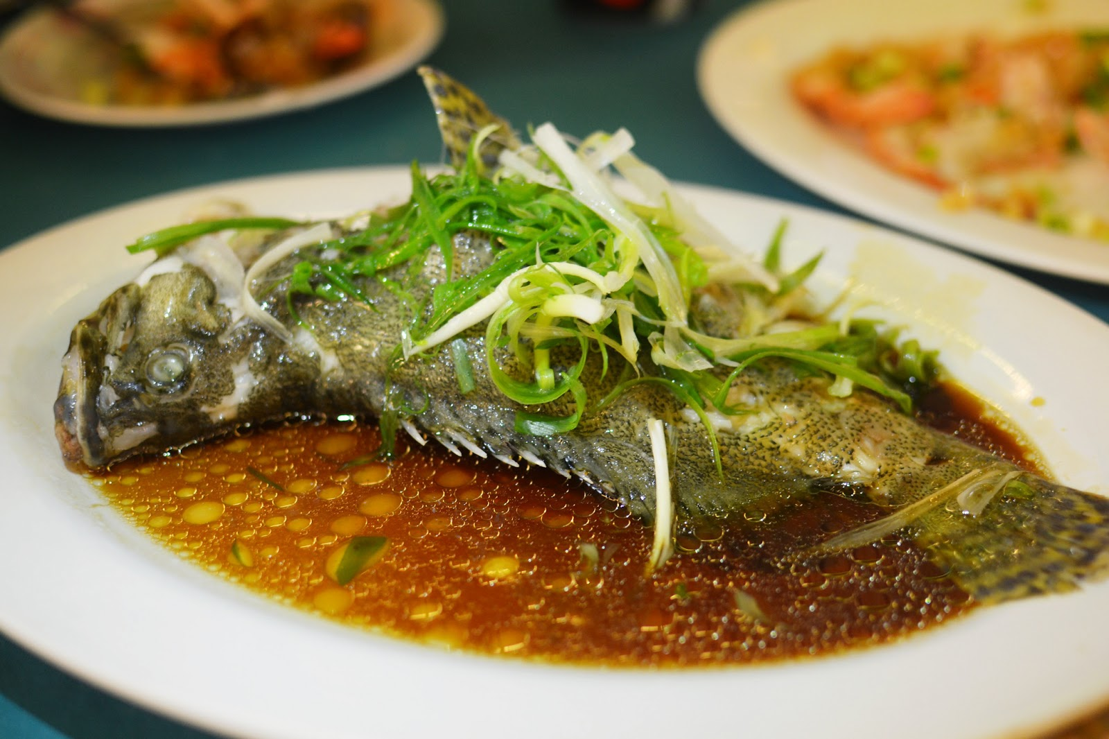 Rainbow seafood restaurant lamma island hong kong hungry for Steamed whole fish