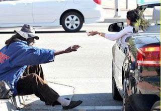Quanto ganha um mendigo ?