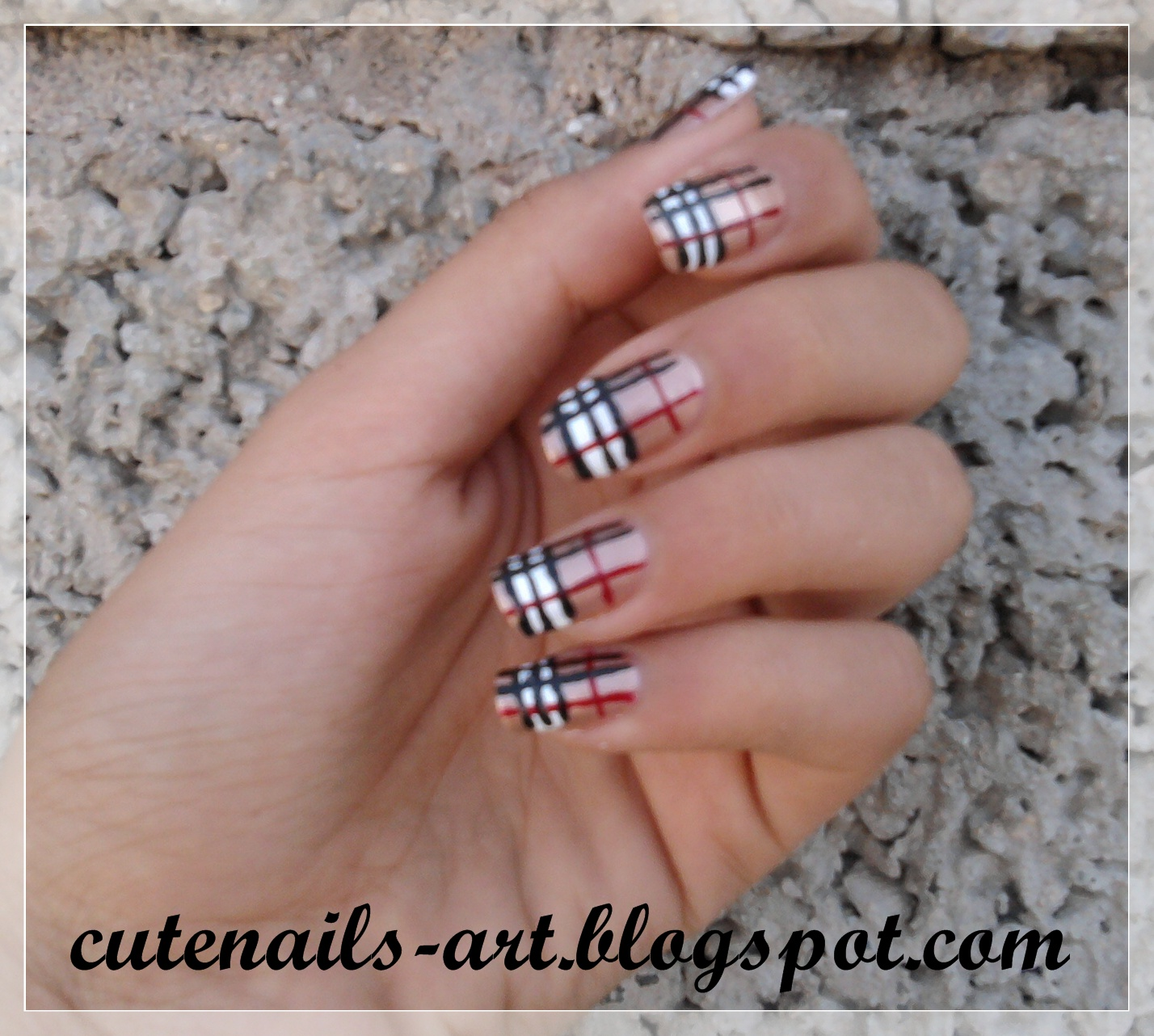 cutenails-art: burberry/fall colors nails