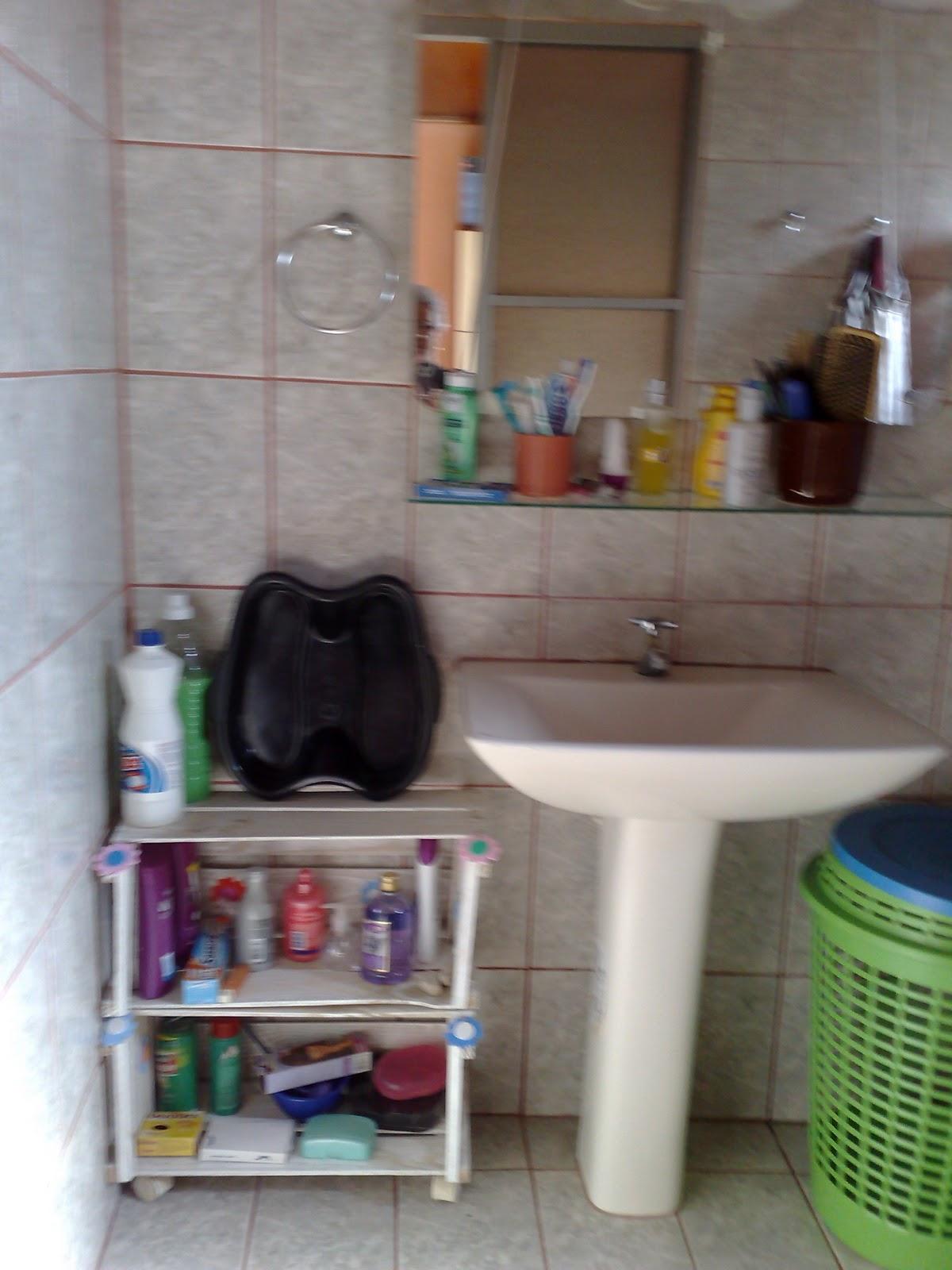 Frassy Arte Sustentável CAIXAS DE FRUTAS RECICLADAS EM ARMARIOS -> Armario De Banheiro Com Caixa De Feira