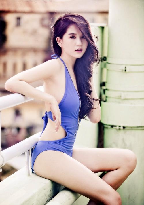 Ngoc Trinh Bikini