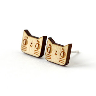 http://www.lesfollesmarquises.com/product/puces-d-oreilles-chats