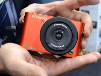 سامسونغ تعلن عن كاميرا رقمية تعمل بنظام أندرويد وبعدسة قابلة للتغيير