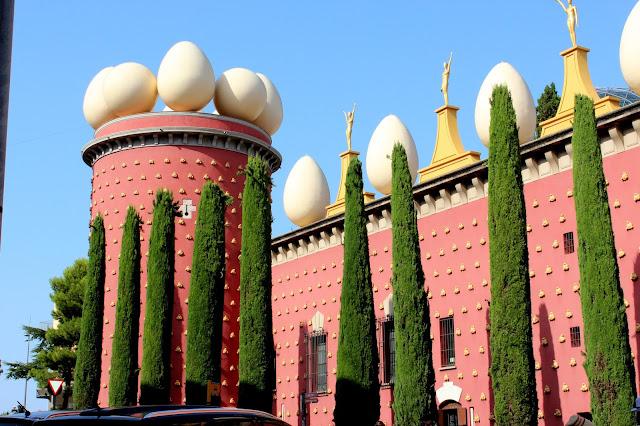 Teatro Museo Salvador Dalí y torre Galatea