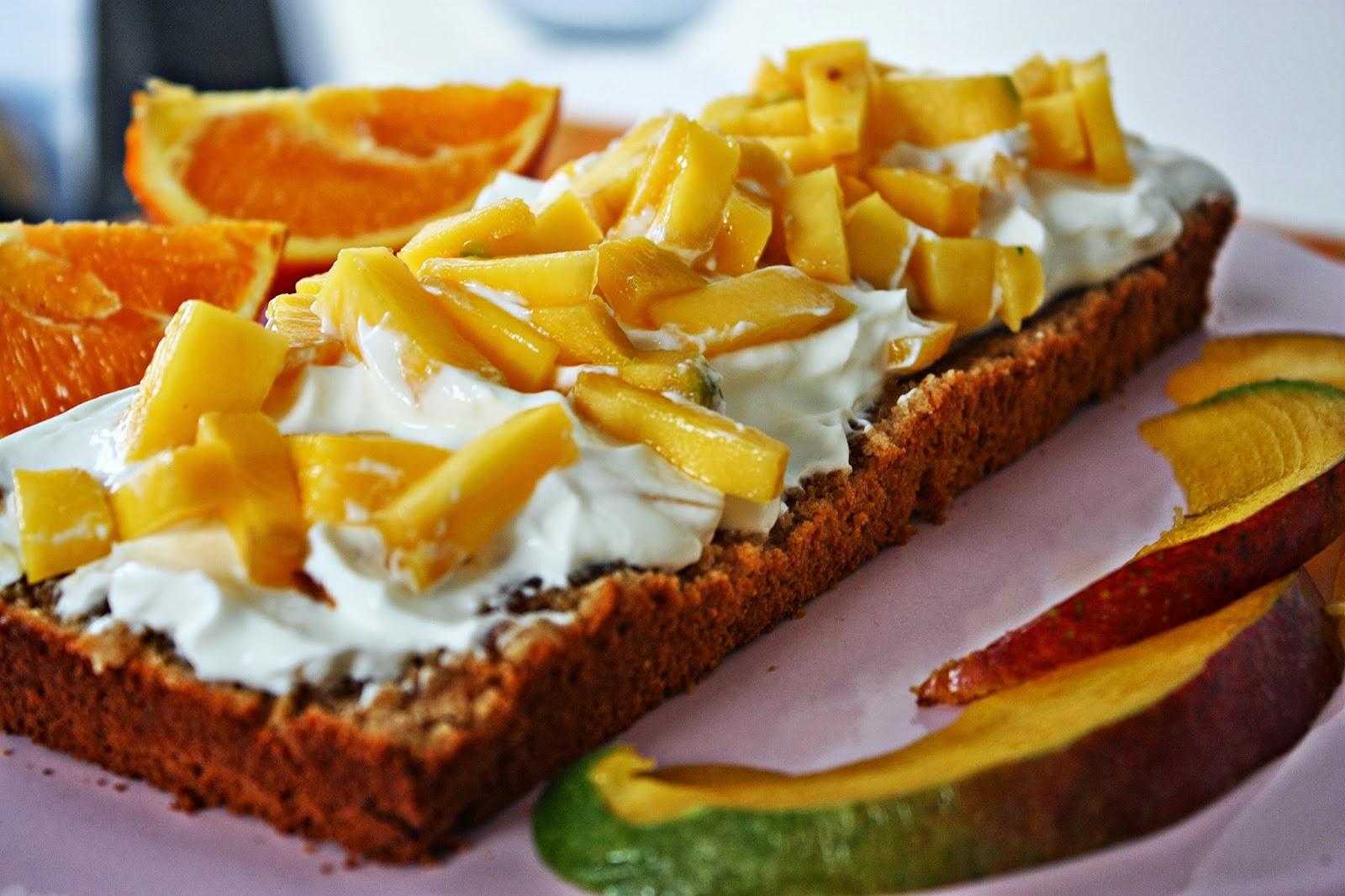 Jamaikanischer Tamarinden Kuchen mit Mango