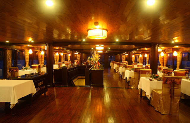 Spacious Dining Table - Emeraude Cruise