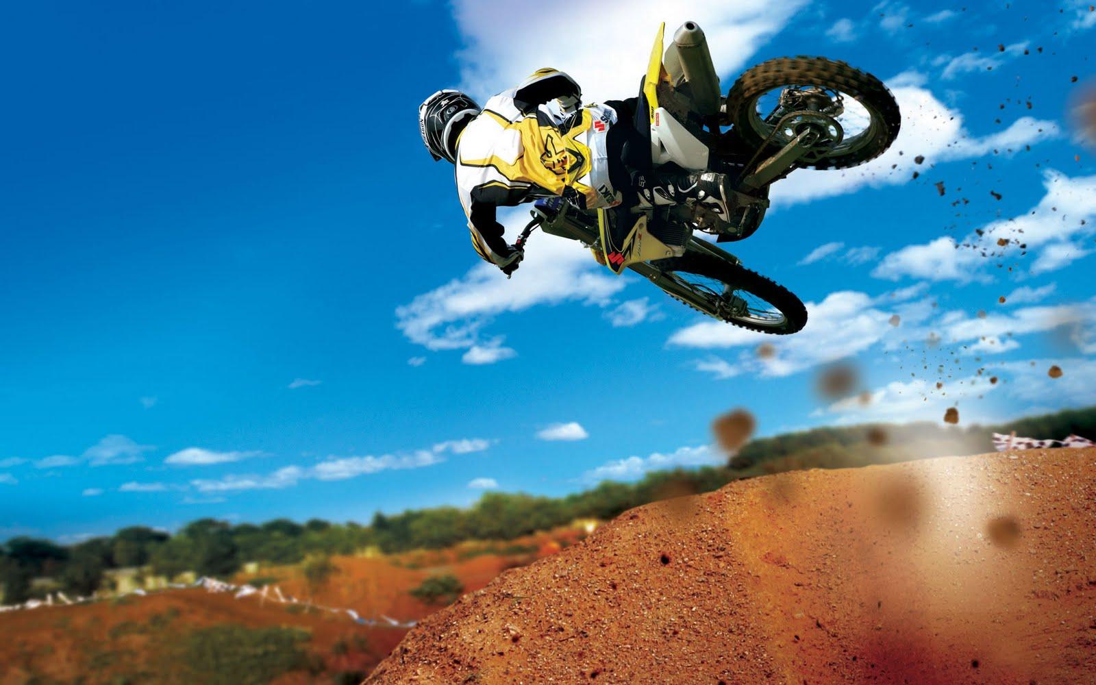 http://1.bp.blogspot.com/-u_Y0i5IFASA/TlIhJ8PgvbI/AAAAAAAAA9I/nCTEA-6Tfx8/s1600/motocross+stunt+wide.jpg