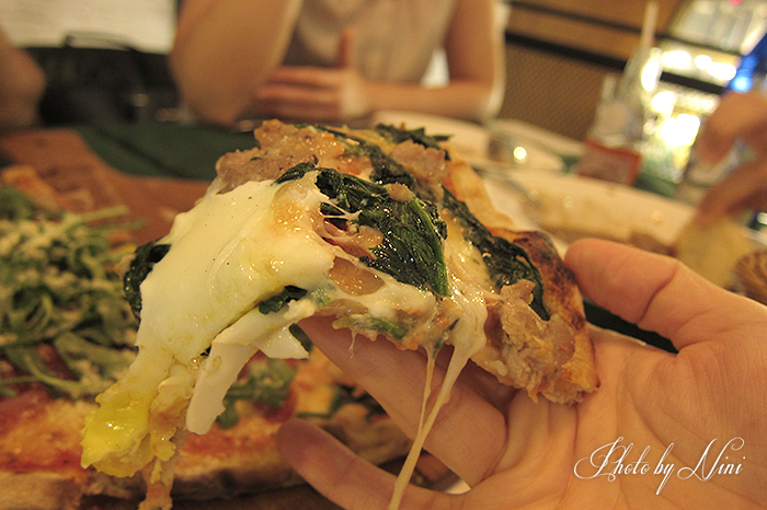 【台北大安區】老烤箱義式手感披薩。巷弄餐酒館藍心湄喜光顧