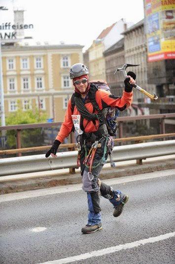 Echipament de alergare, in pas cu moda. Alpinist
