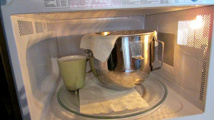 Turn your micro wave into a proofing box by heating a mug of water and then adding your bowl of dough. Close the door and let the dough rise. & Dogwood Lane Rambles: November 2015 Aboutintivar.Com