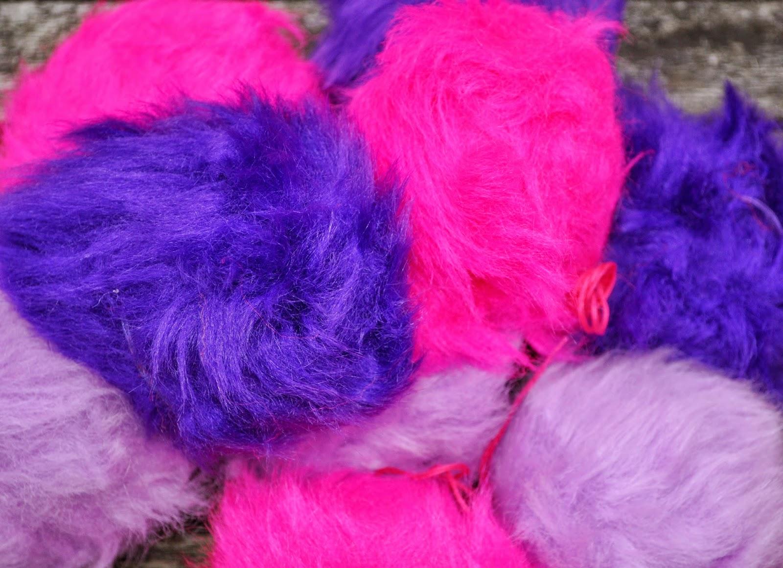 Pelskvaster i stærke farver
