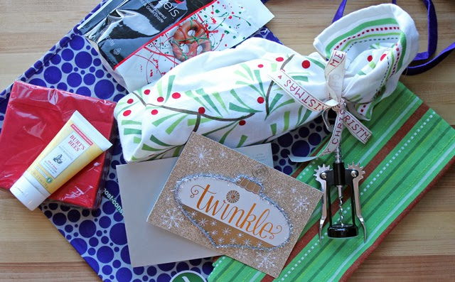 Holiday Solutions | Walgreens Healthy & Happy Holiday Gift Guide #HappyAllTheWay #shop #cbias
