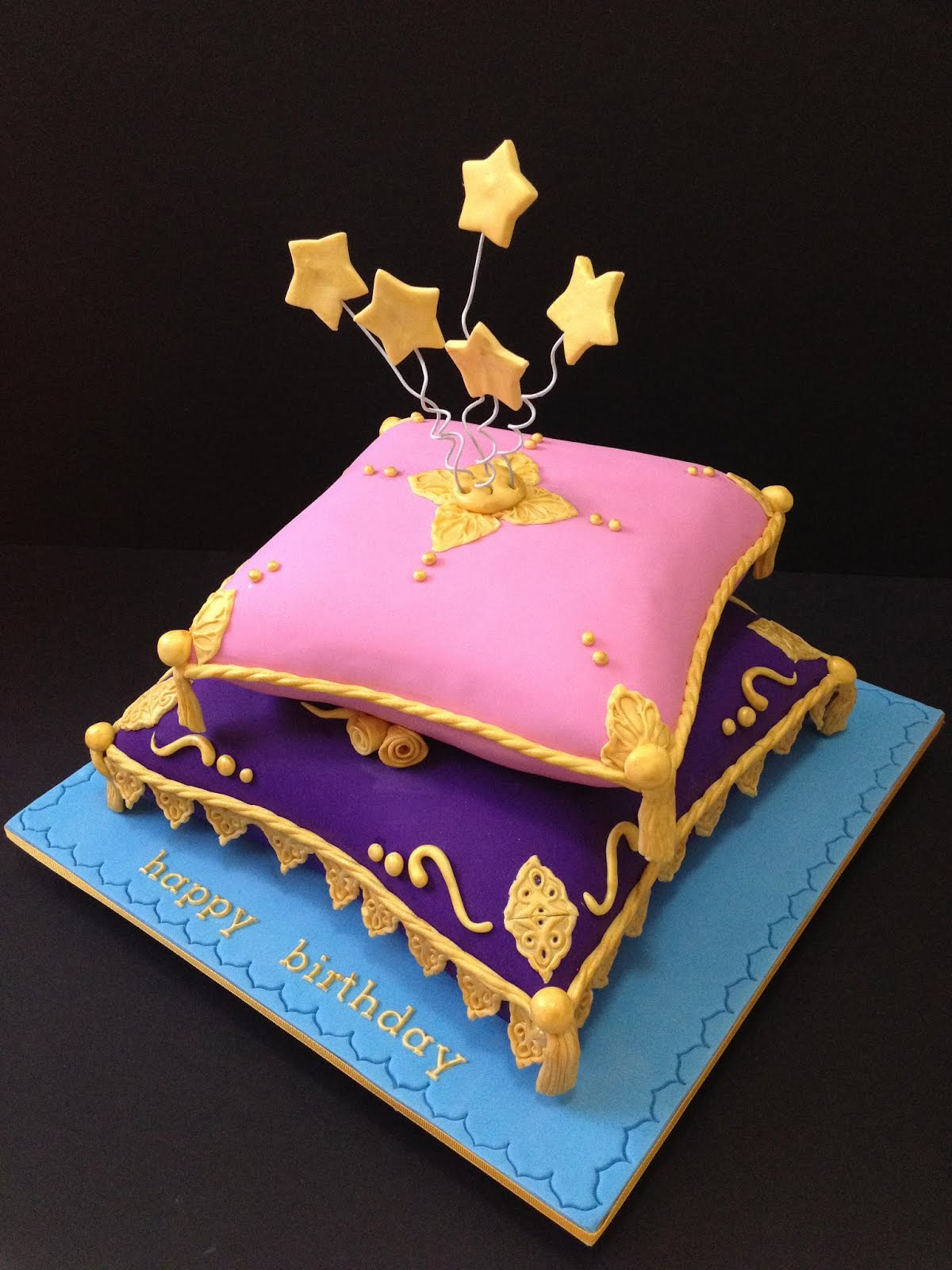 Liez cakes and etc arabian night themed pillow cake for Arabian cake decoration