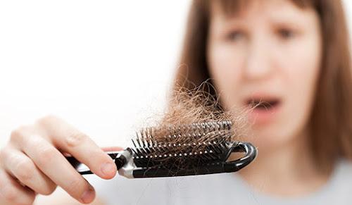 Queda de cabelo : 4 dicas incríveis para acabar com isso !
