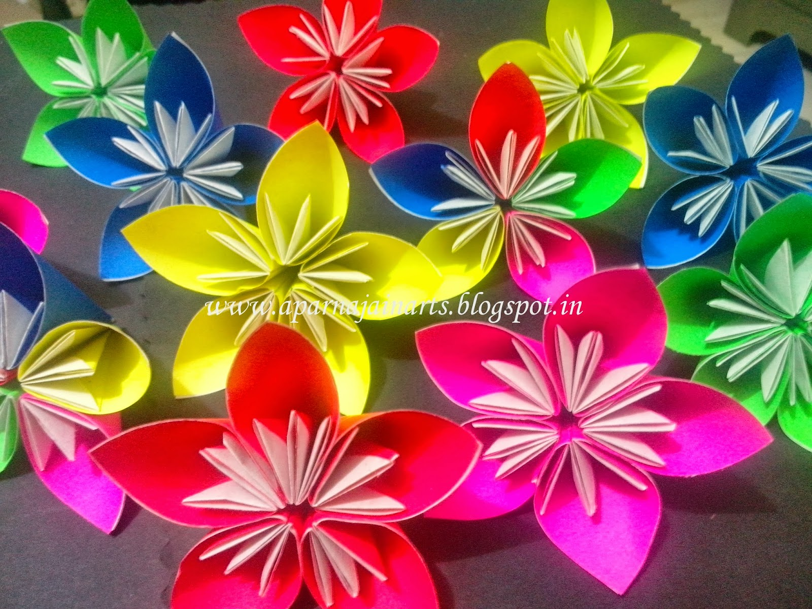 The crafty world pankh arts three pointer origami paper flower this three pointed origami flower can turn into a beautiful hangings above your dining space or in the living area learn how to make these colorful paper mightylinksfo
