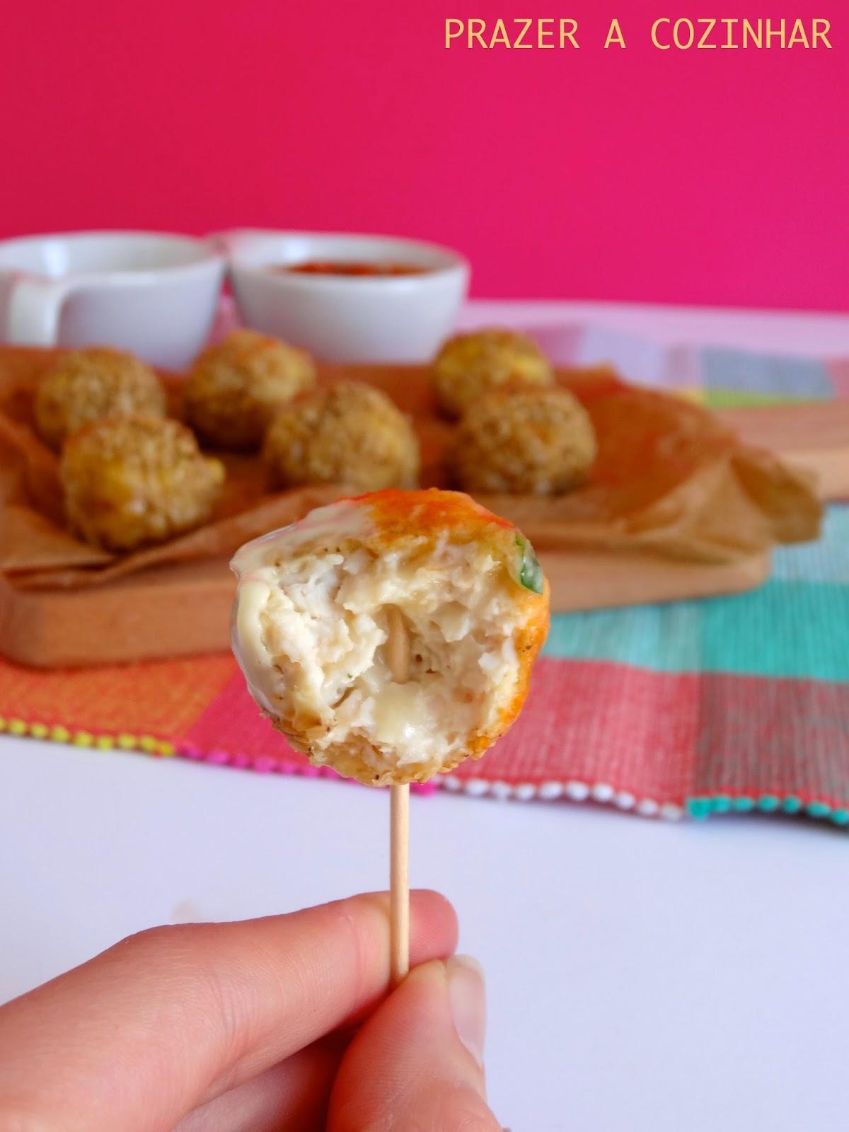 prazer a cozinhar - Almôndegas de frango e queijo