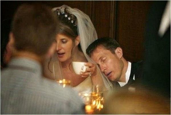 أطرف صور العروسين في حفلات الزفاف  Funny-wedding-photos-18