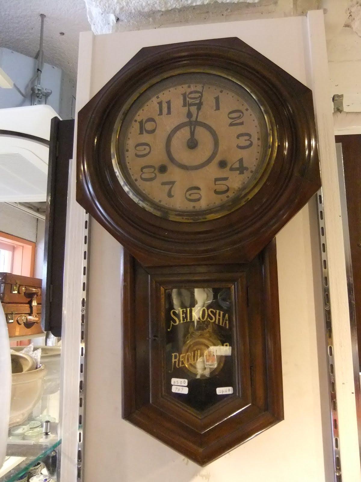 セイコー社八角掛け時計