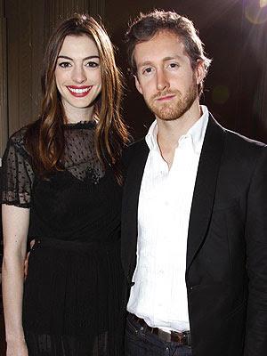 Anne Hathaway Boyfriend