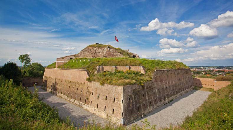 El Fuerte de San Pieter: Una histórica fortaleza que aún lleva las marcas de su único asedio