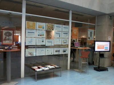 Exposición Día de Europa, hall de la biblioteca general de Espinardo