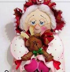 http://www.patronesfofuchas.org/2014/12/moldes-fofucha-mama-noel.html