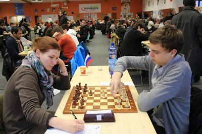 Anastasia Savina face à Dennis Wagner © Chess & Strategy