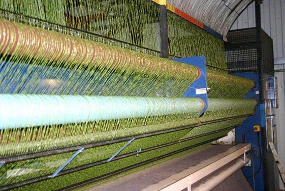 Proses Pembuatan Rumput Sintetis