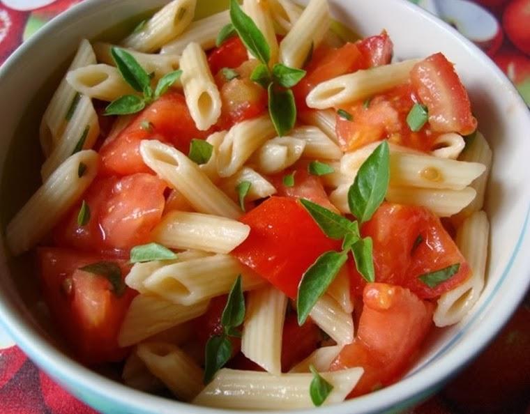 Macarrão com Tomate (vegana)