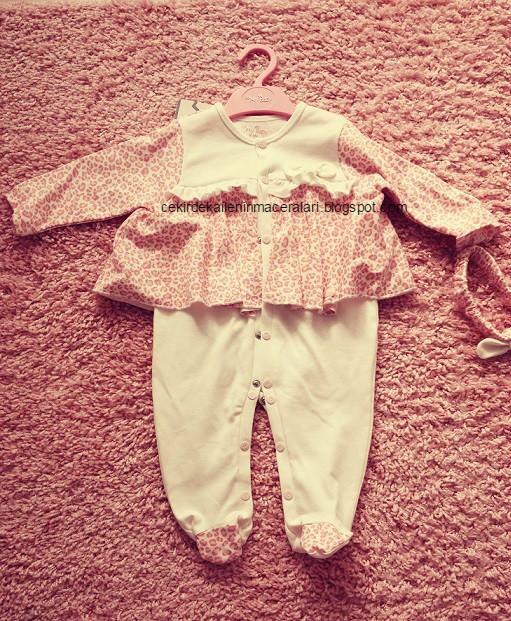 pembe çıtçıtlı pijama