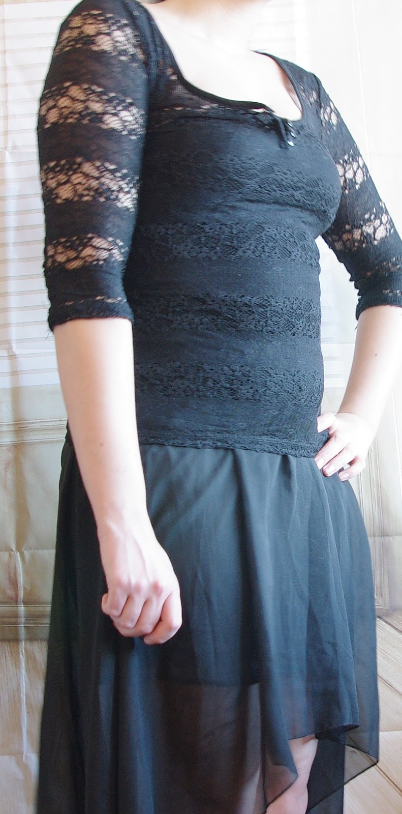 Outfit Black Vokuhila Skirt and Lace Top