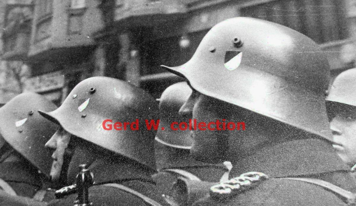 Album foto ordnungspolizei dan schutzpolizei, polisi reguler nazi