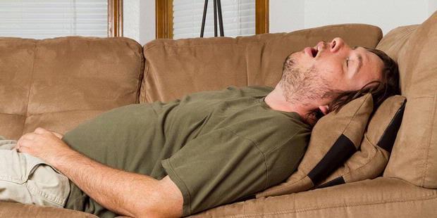 Dalam semalam orang yangmendengkur bisa berhenti bernafas 10 - 60