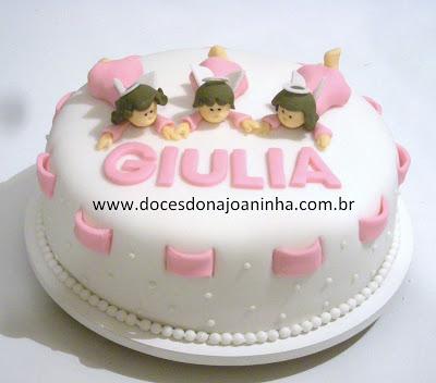 Bolo de batizado decorado com Anjinho e laçarote em rosa